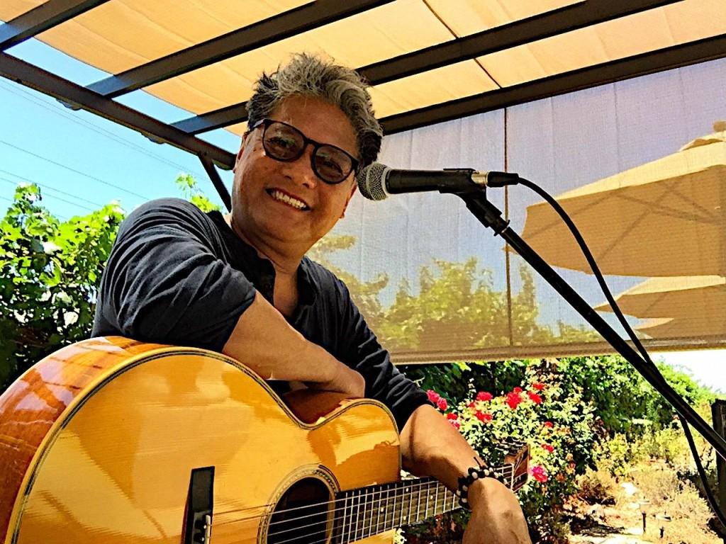 Chuck guitar